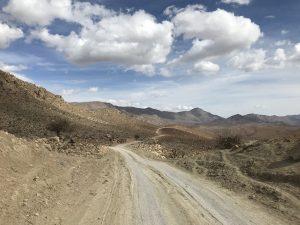 Uprostřed pouště mezi Yazdem a Bandar Abbasem.