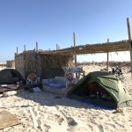 Úžasné kempování na pláži Al Hadd.